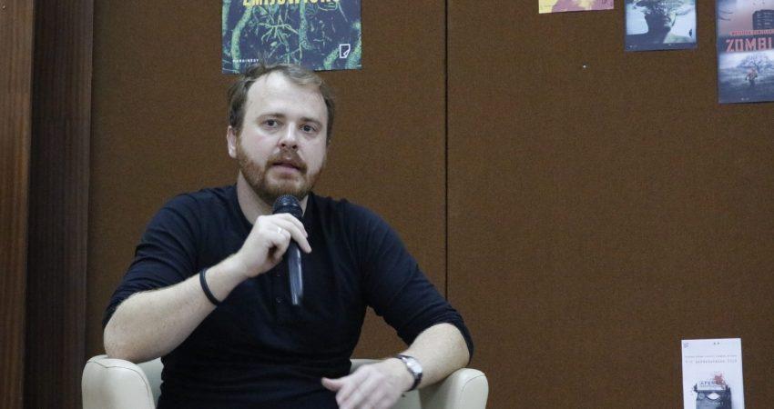 Spotkanie autorskie z Wojciechem Chmielarzem