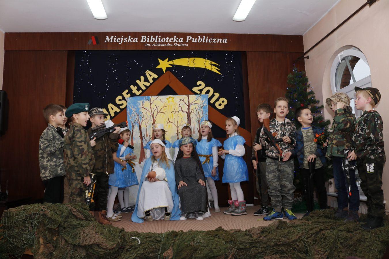 Jasełka wwykonaniu uczniów Szkoły Podstawowej nr10 wTczewie