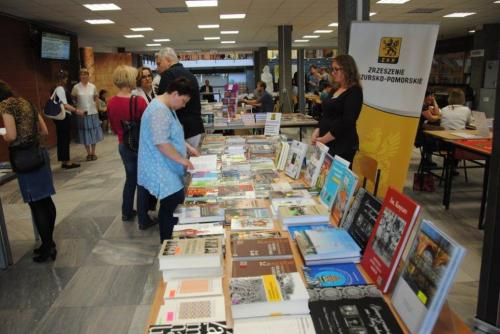 Biblioteka na Toruńskim Kiermaszu Książki Regionalnej