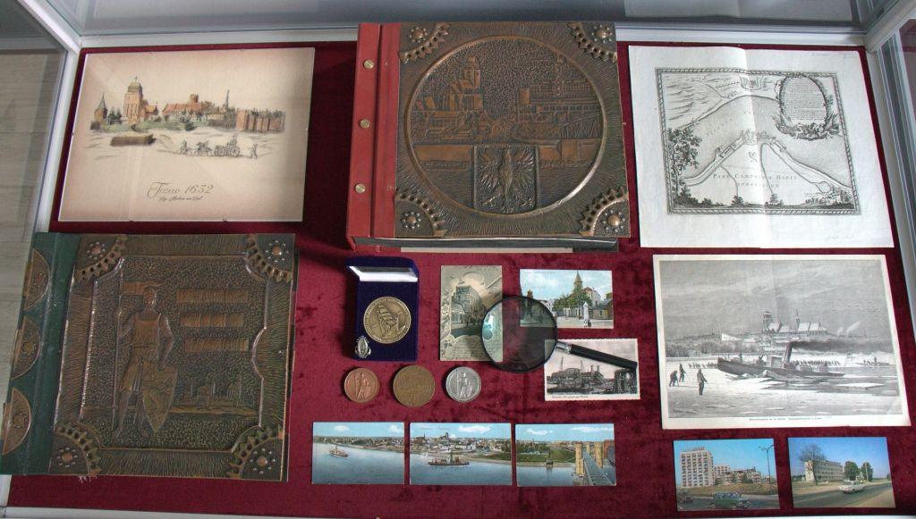 Zbiory wjednej zgablot wSekcji Historii Miasta